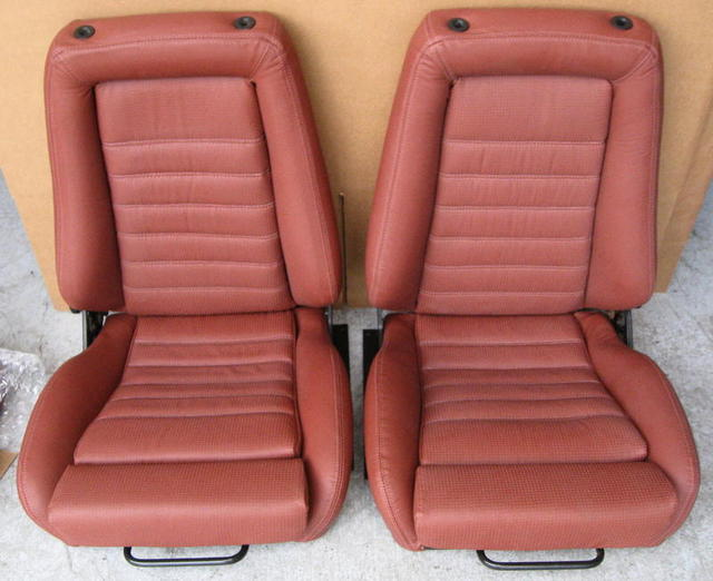 Custom Cardinal Red Recaro Seat